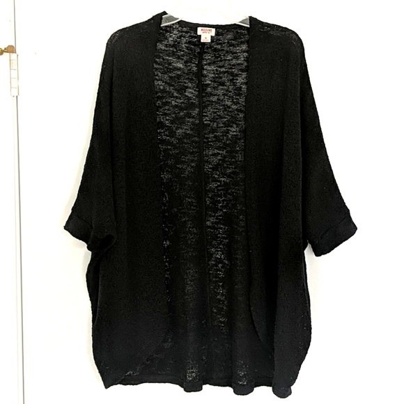 Mossimo black 1/2 sleeve slouchy cacoon cardigan